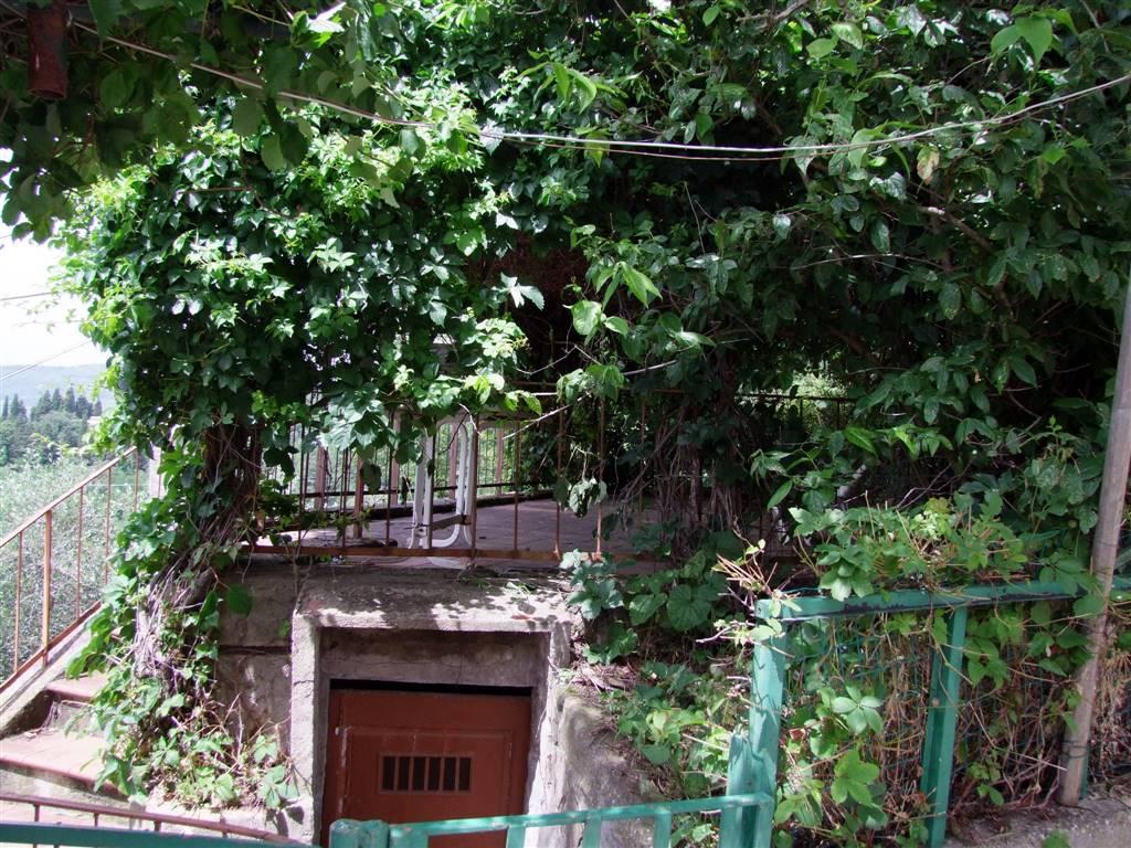 Appartamento indipendente, Acone, Pontassieve, da ristrutturare