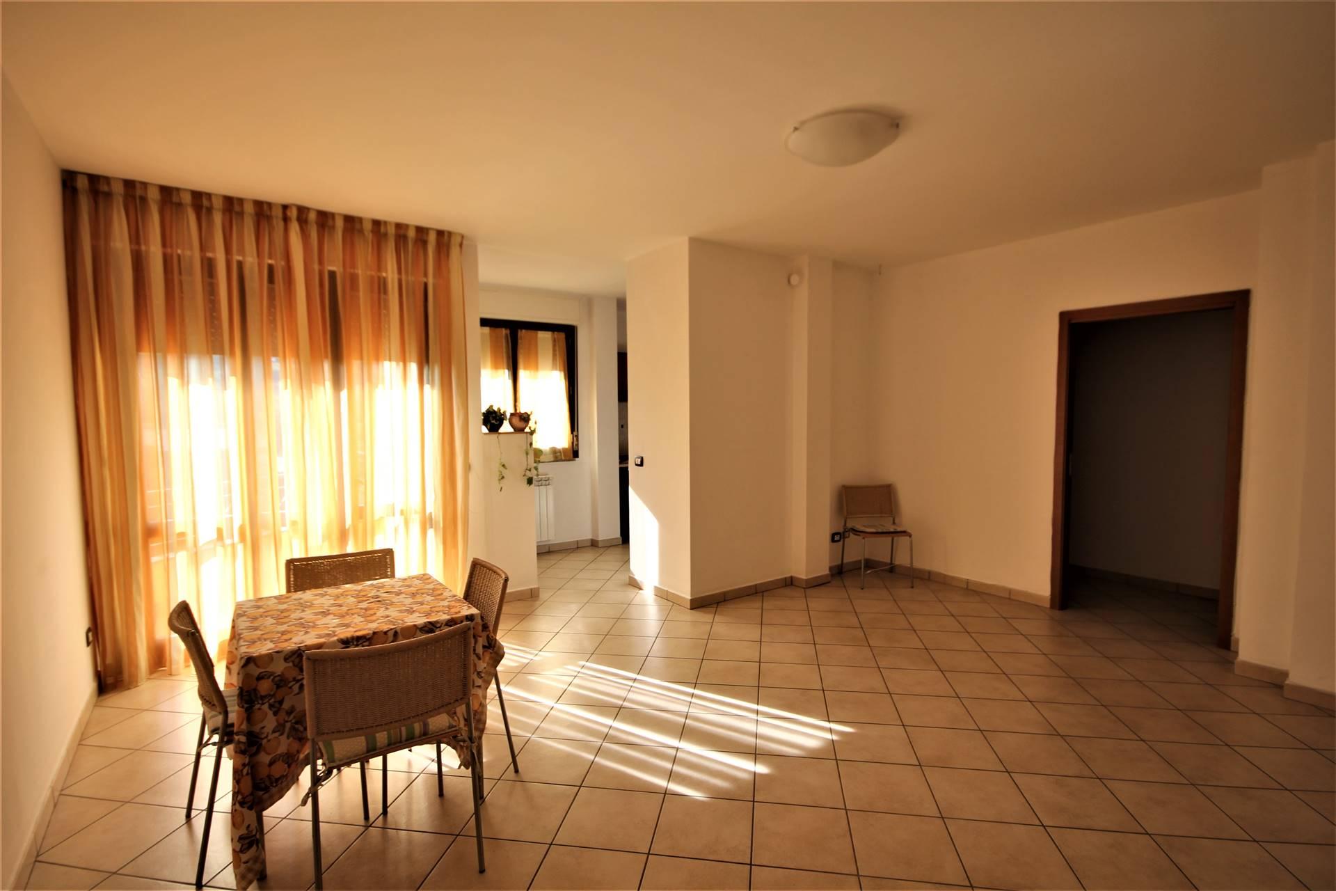 Appartamento in vendita a Panicale, 4 locali, zona Zona: Tavernelle, prezzo € 150.000 | CambioCasa.it