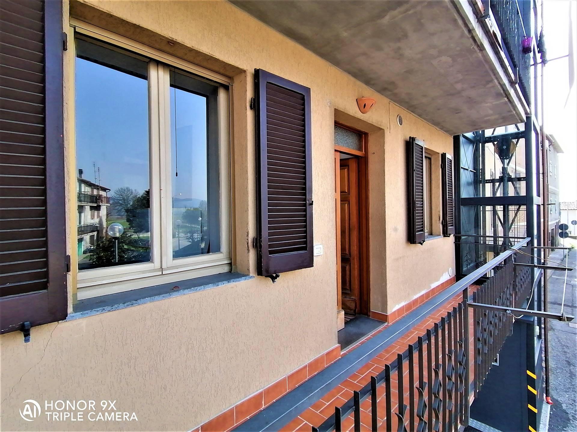 Appartamento in vendita a Monteleone d'Orvieto, 4 locali, zona Zona: Santa Maria, prezzo € 60.000   CambioCasa.it