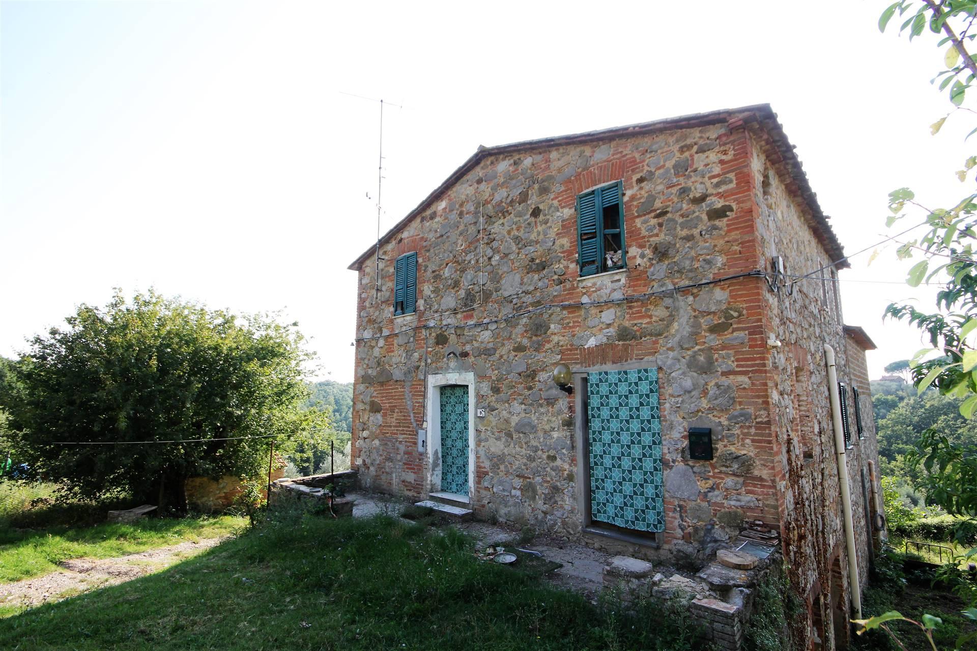 Rustico / Casale in vendita a Monteleone d'Orvieto, 10 locali, zona Zona: Colle Alto e Basso, prezzo € 250.000   CambioCasa.it