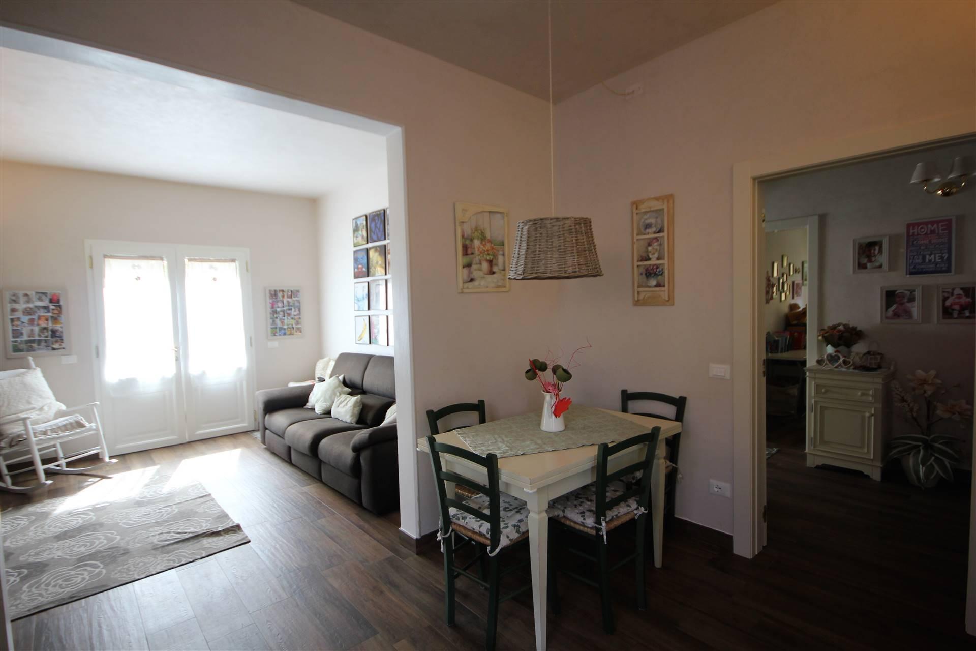 Appartamento in vendita a Fiesole, 4 locali, zona Zona: Pian di San Bartolo, prezzo € 295.000 | CambioCasa.it