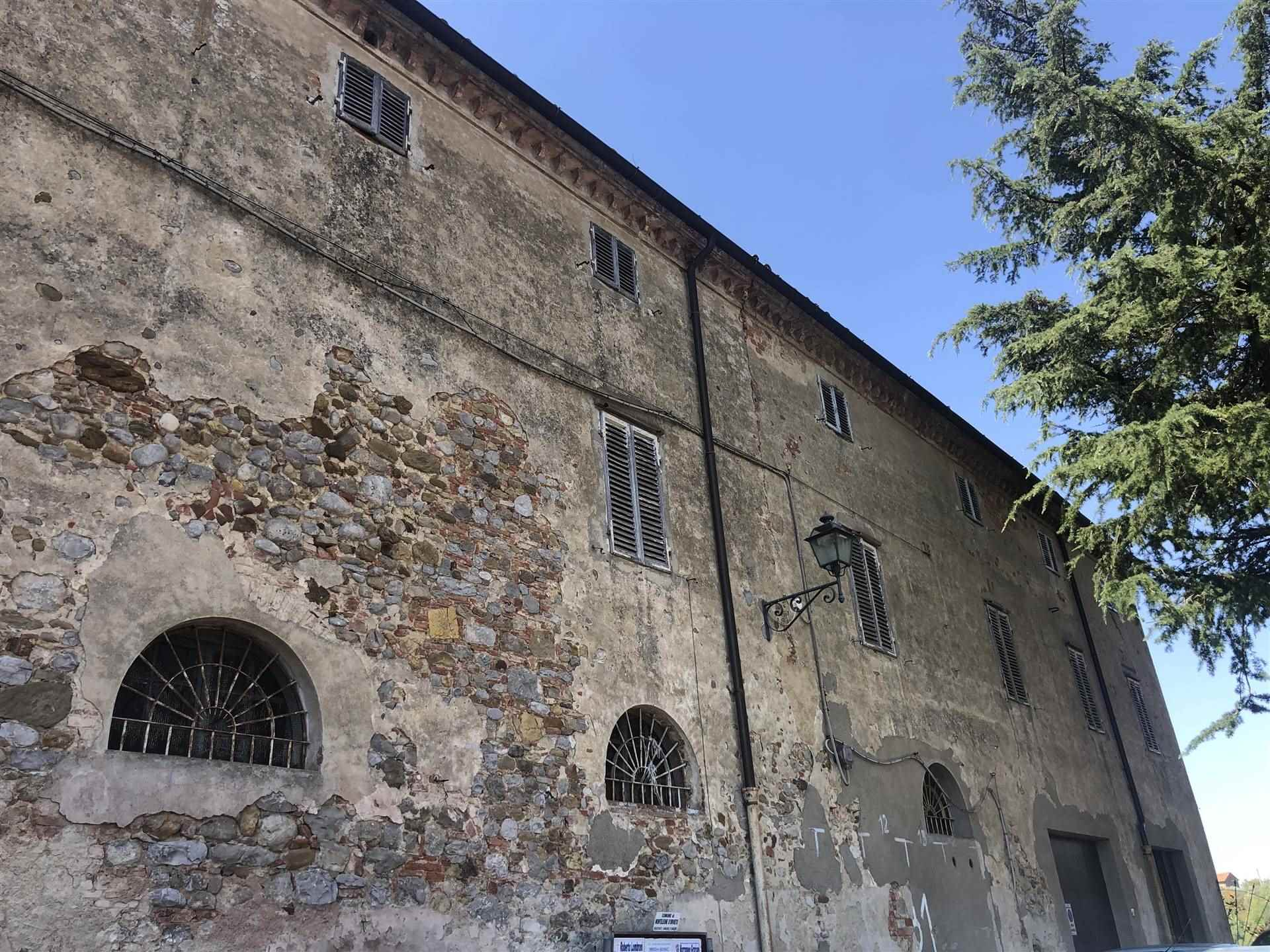 Palazzo / Stabile in vendita a Monteleone d'Orvieto, 20 locali, prezzo € 400.000   CambioCasa.it