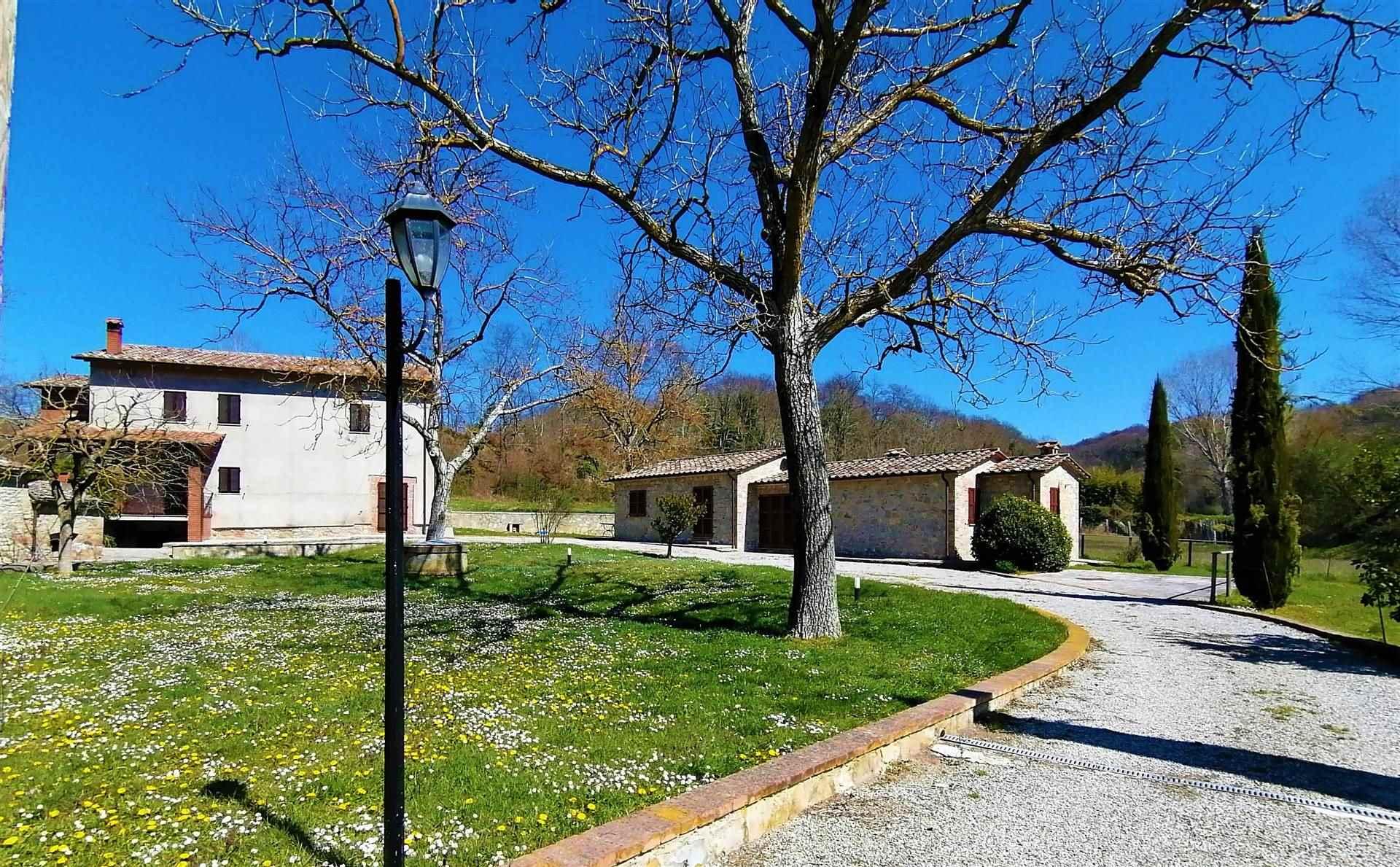 Rustico / Casale in vendita a Monteleone d'Orvieto, 6 locali, zona Zona: Santa Maria, prezzo € 320.000   CambioCasa.it