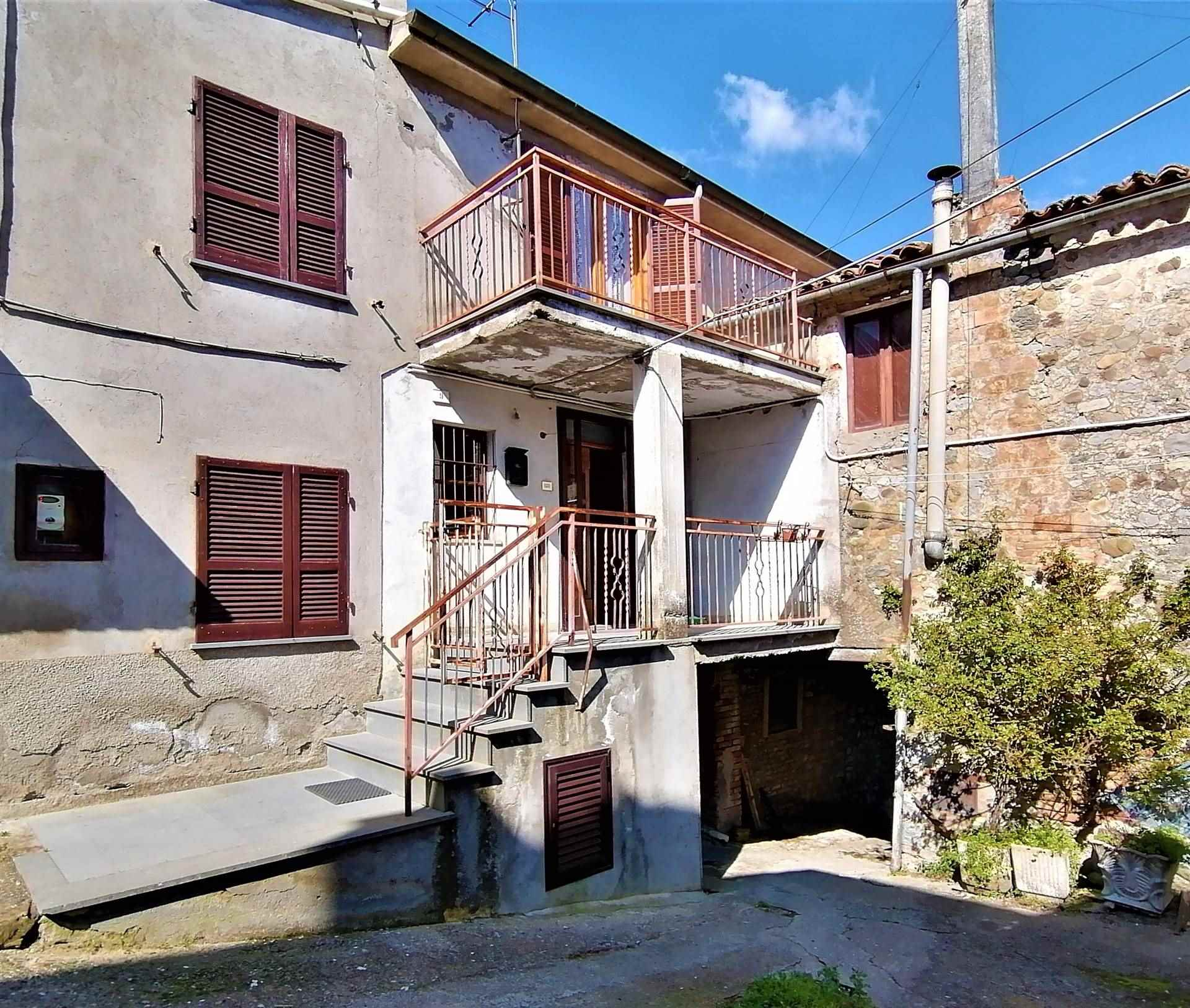 Soluzione Indipendente in vendita a Fabro, 6 locali, zona Località: CENTRO, prezzo € 65.000   CambioCasa.it