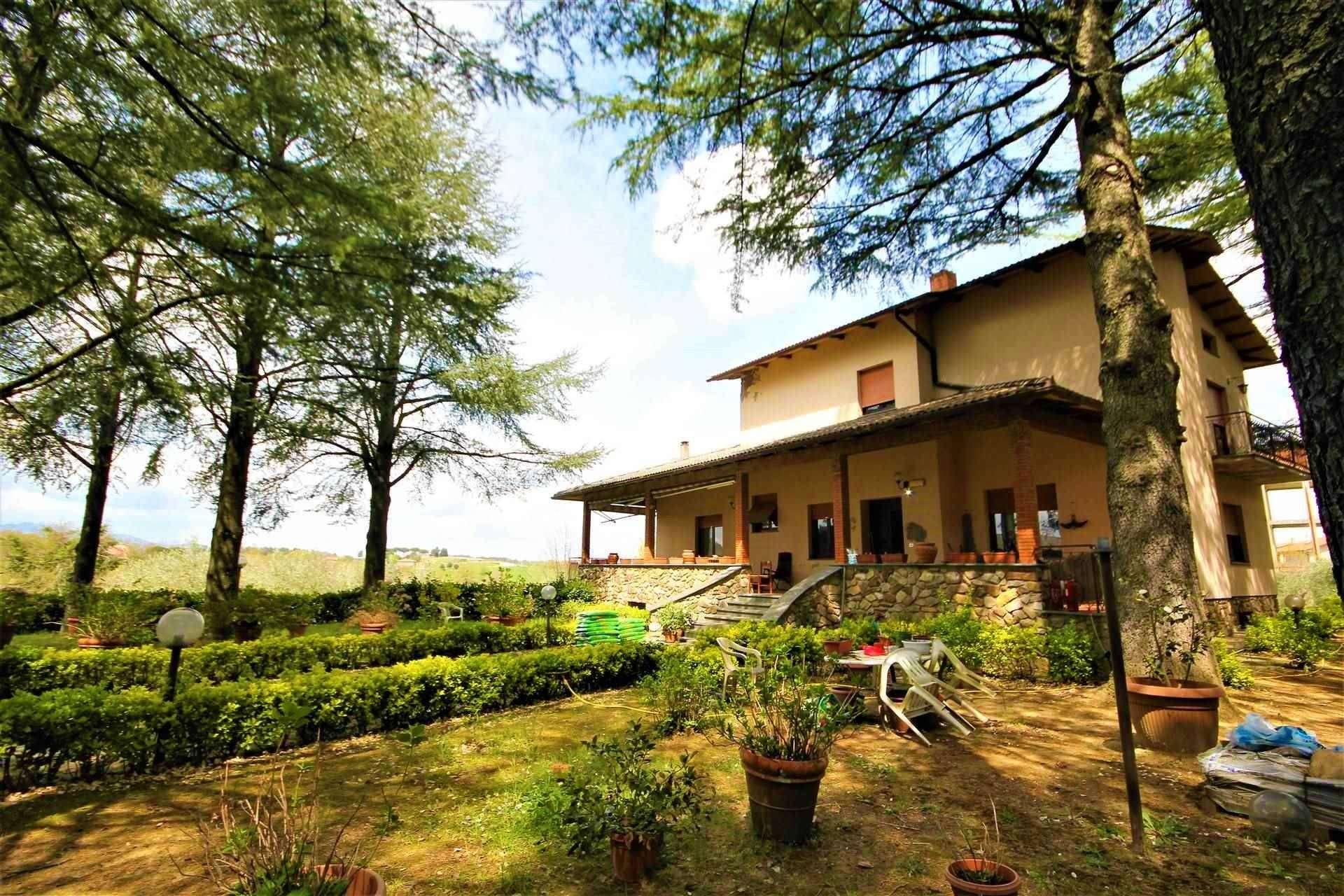 Villa in vendita a Monteleone d'Orvieto, 15 locali, zona Zona: San Lorenzo, prezzo € 350.000   CambioCasa.it