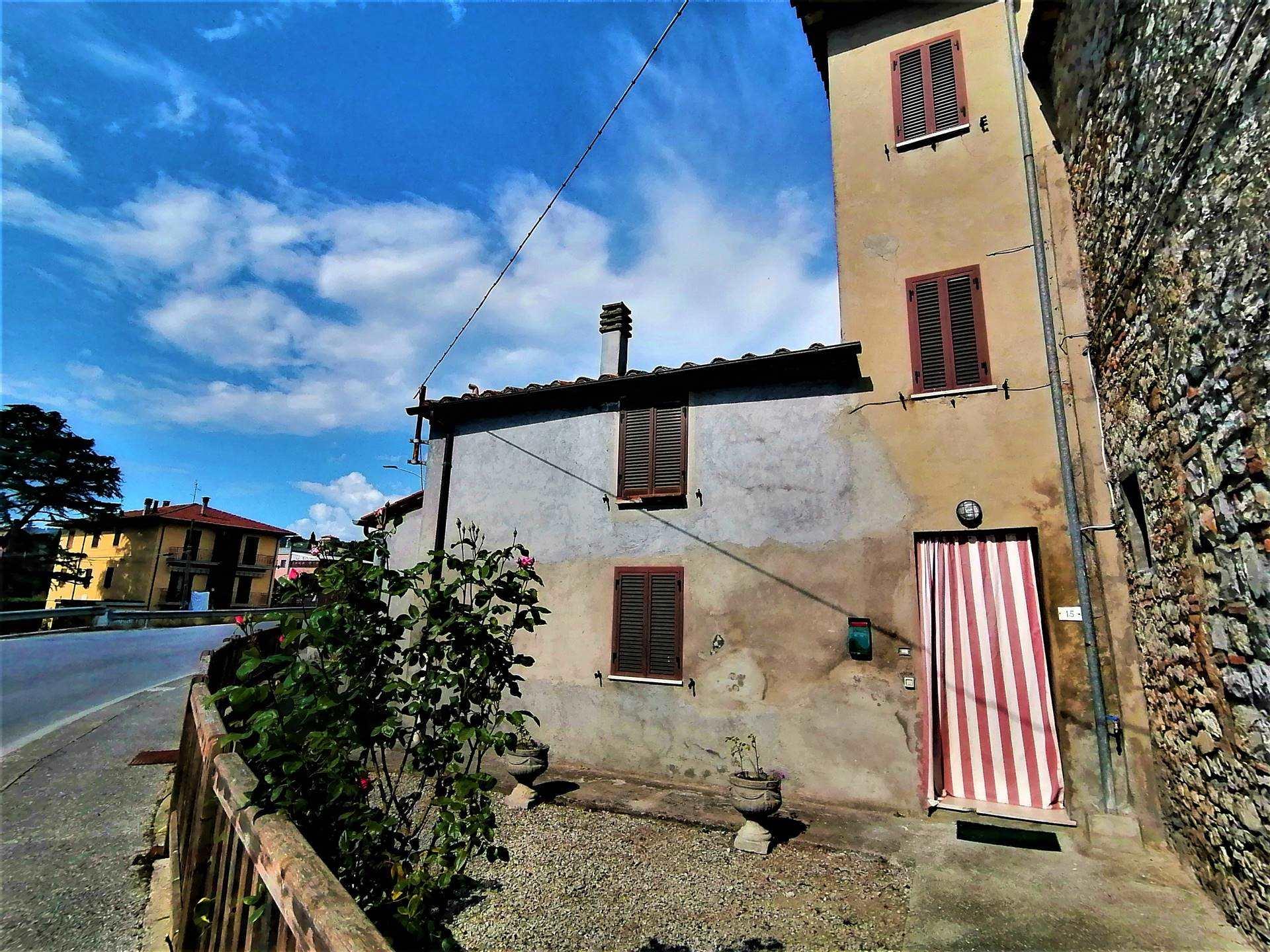 Soluzione Indipendente in vendita a Monteleone d'Orvieto, 4 locali, zona Zona: Santa Maria, prezzo € 70.000   CambioCasa.it