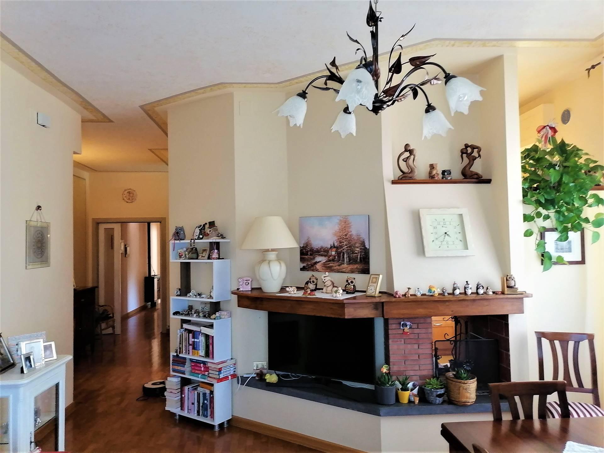 Appartamento in vendita a Monteleone d'Orvieto, 6 locali, zona Località: CENTRO, prezzo € 155.000   CambioCasa.it