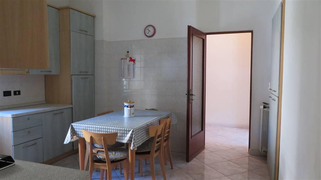 cucina con apertura sull'ingresso