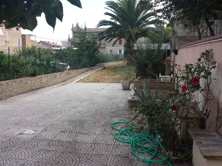 Casa singola, Porto San Giorgio, seminuova
