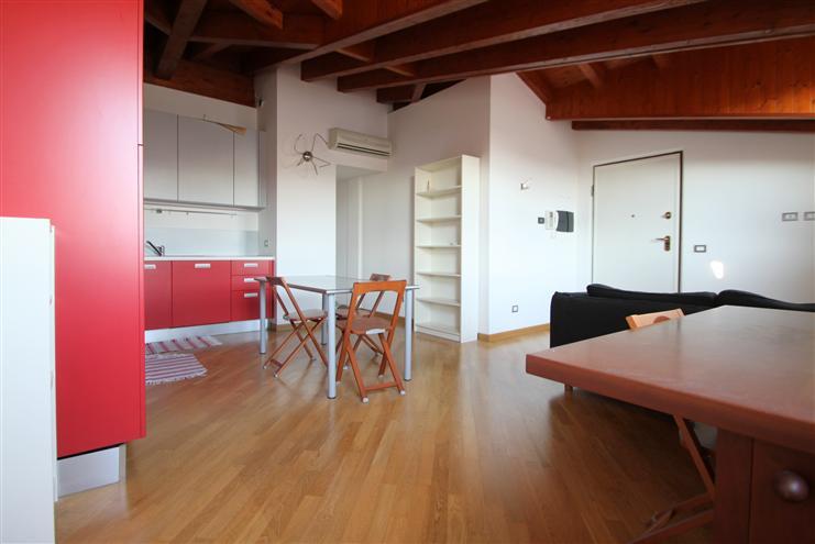 Mansarda, Certosa, Quarto Oggiaro, Villa Pizzone, Milano, in ottime condizioni