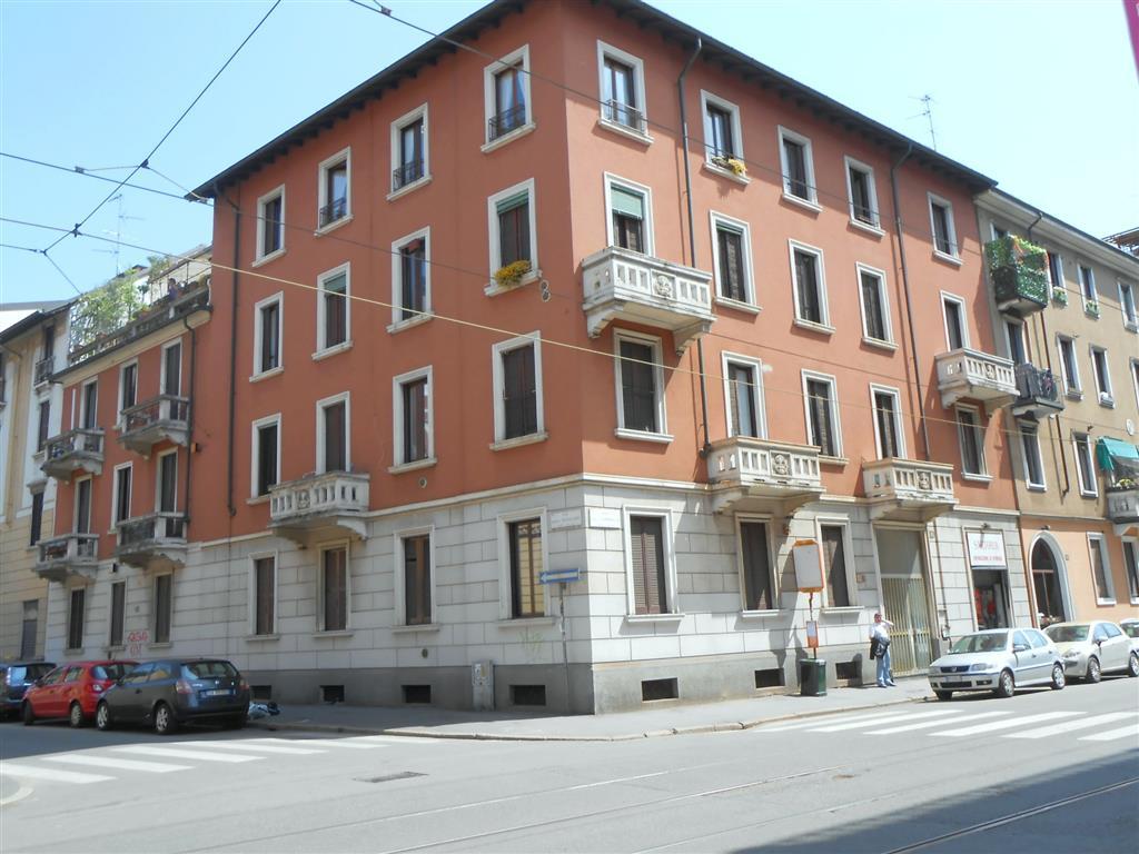 Bilocale in Viale Espinasse 78, Certosa, Quarto Oggiaro, Villa Pizzone, Milano