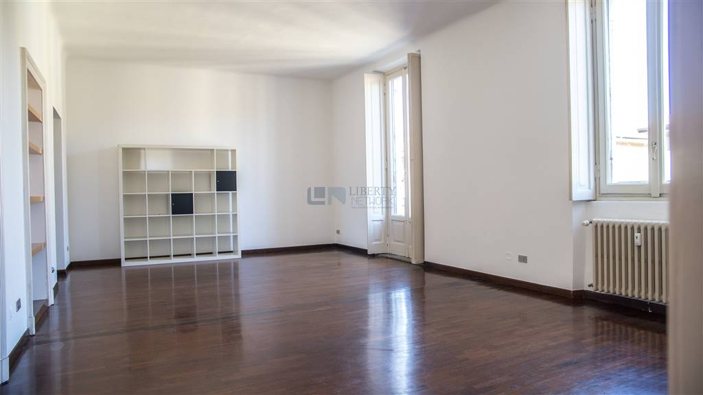 Quadrilocale in Via Stendhal  39, P.ta Genova, Romolo, Solari, Milano