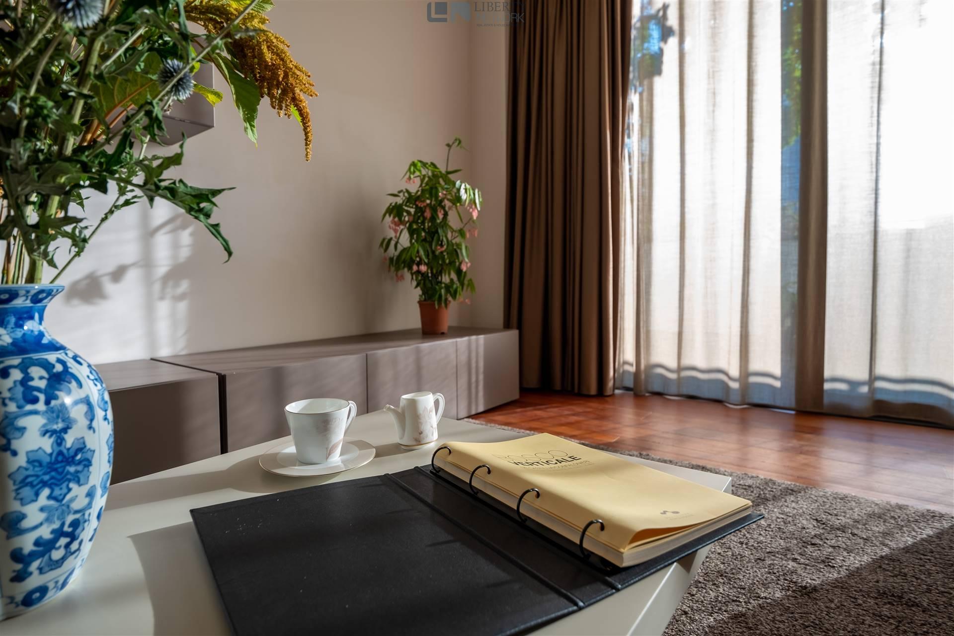 soggiorno con affaccio su terrazzo