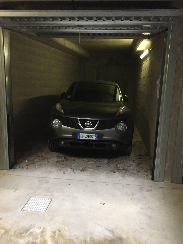 in affitto Garage / Posto auto, Milano, piano seminterrato ...