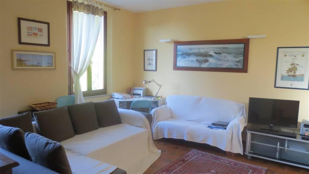 Appartamento in Cavour, Semicentrale, Siena