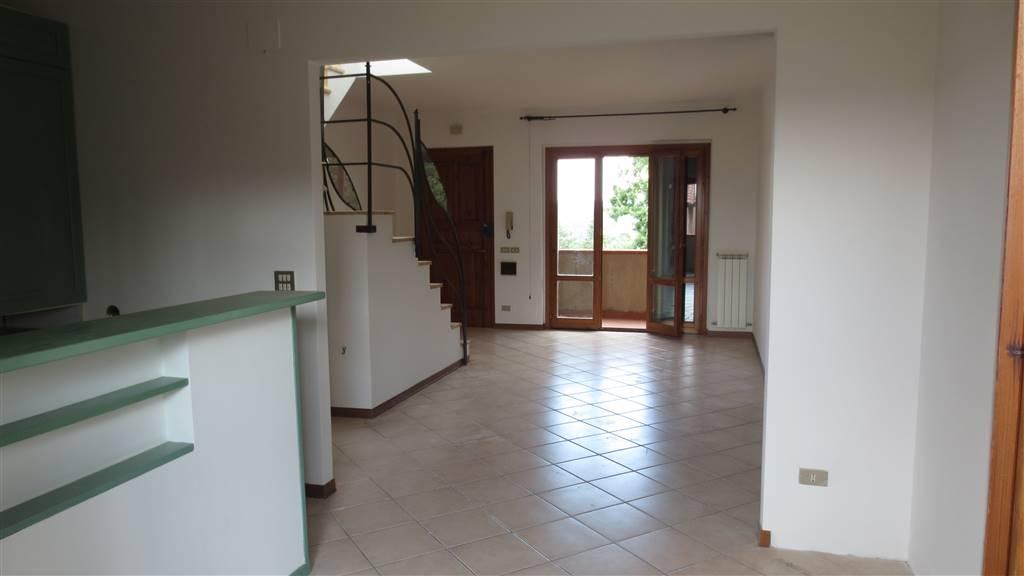 Appartamento in vendita a Monteriggioni, 5 locali, zona Località: SANTA LUCIA, prezzo € 265.000 | PortaleAgenzieImmobiliari.it