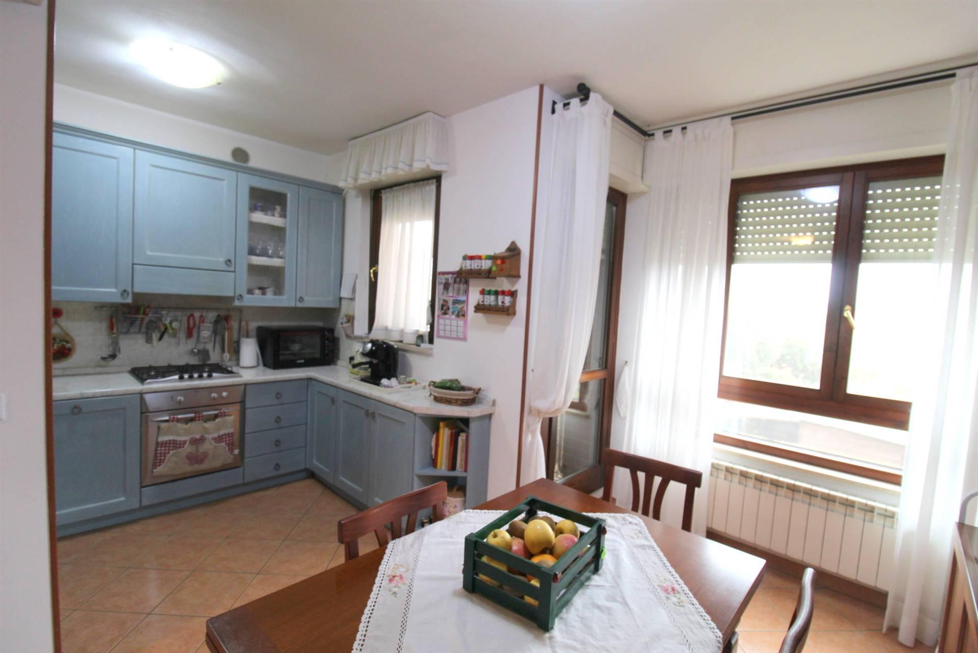 Appartamento in vendita a Monteroni d'Arbia, 4 locali, prezzo € 189.000 | CambioCasa.it