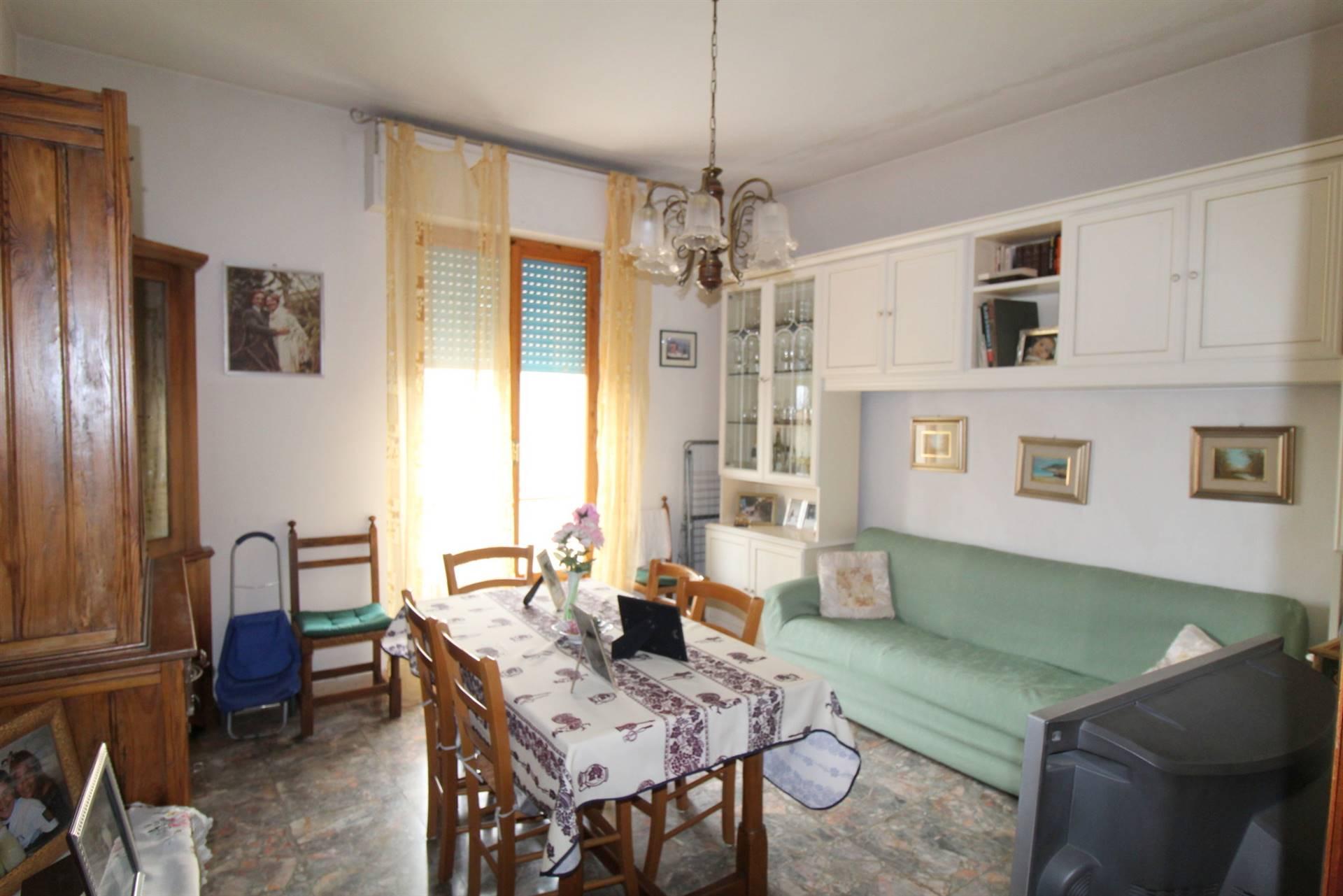 Appartamento in vendita a Monteroni d'Arbia, 4 locali, prezzo € 160.000 | CambioCasa.it