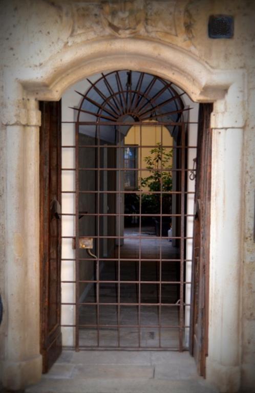 Appartamento in vendita a Milano, 3 locali, zona Località: DUOMO, prezzo € 1.200.000 | CambioCasa.it
