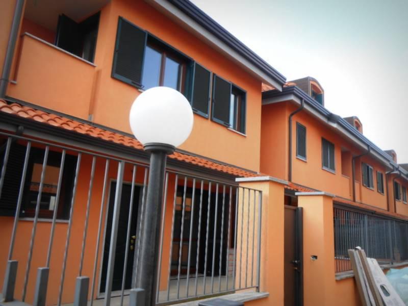 Villa a schiera, Busto Arsizio, in nuova costruzione