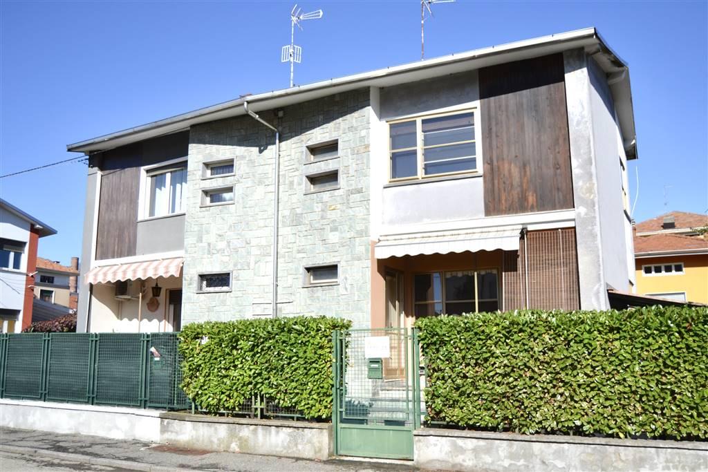 Casa semi indipendente, Periferia, Biella, abitabile