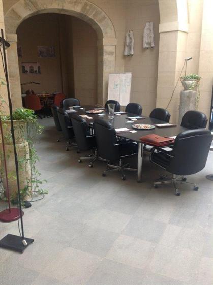 Vendita appartamento piazzetta santa sofia centro for Appartamento centro storico palermo