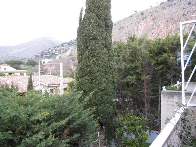 Villa a schiera in Via Zeusi d Eraclea  20, Mondello, Palermo