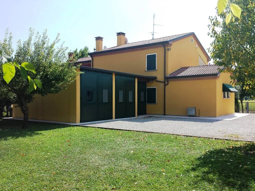 Soluzione Semindipendente in vendita a Selvazzano Dentro, 4 locali, zona Località: MONTECCHIA, prezzo € 395.000 | CambioCasa.it