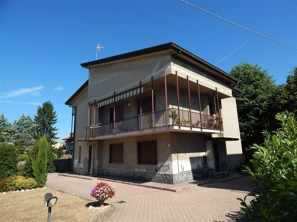 Appartamento indipendente, Veduggio Con Colzano, abitabile