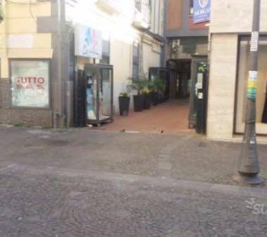 CENTRO, SALERNO, Shop for rent of 80 Sq. mt., Restored, Energetic class: G, placed at Ground, composed by: , Price: € 1,800