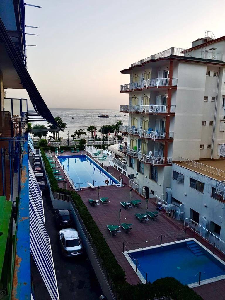 Appartamento in vendita a Maiori, 3 locali, prezzo € 580.000 | CambioCasa.it