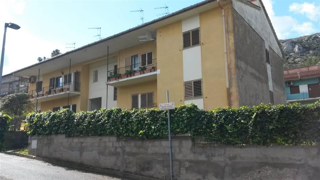 Appartamento in vendita a Iglesias, 7 locali, zona Località: BINDUA, prezzo € 110.000 | CambioCasa.it