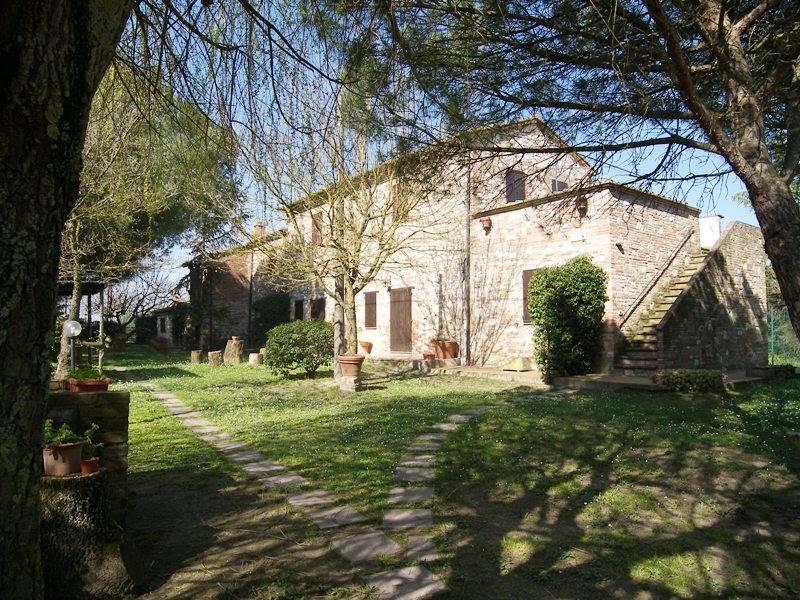 Agriturismo in vendita a Castiglione del Lago, 5 locali, zona a, Trattative riservate   PortaleAgenzieImmobiliari.it