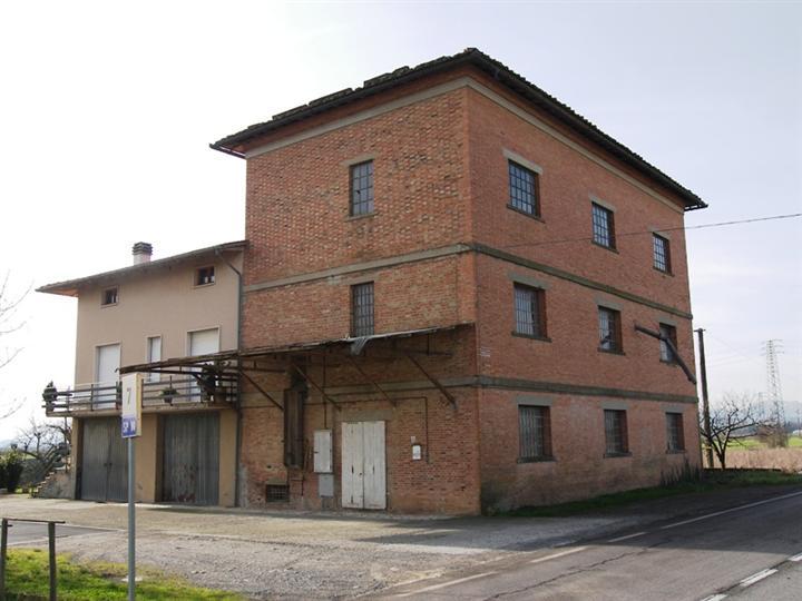 Loft / Openspace in vendita a Montepulciano, 4 locali, prezzo € 310.000 | CambioCasa.it