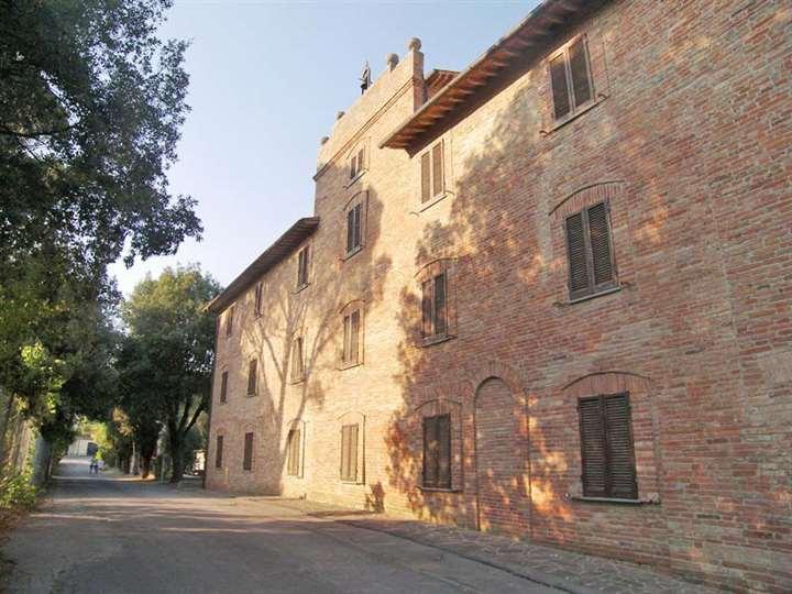 Villa in vendita a Castiglione del Lago, 7 locali, zona Zona: Porto, Trattative riservate   CambioCasa.it