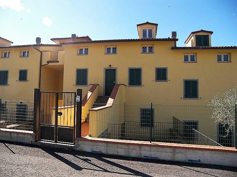 Appartamento in vendita a Cortona, 6 locali, zona Zona: Camucia, Trattative riservate | CambioCasa.it