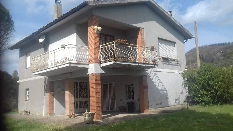 Villa in vendita a Castiglione in Teverina, 5 locali, Trattative riservate | CambioCasa.it