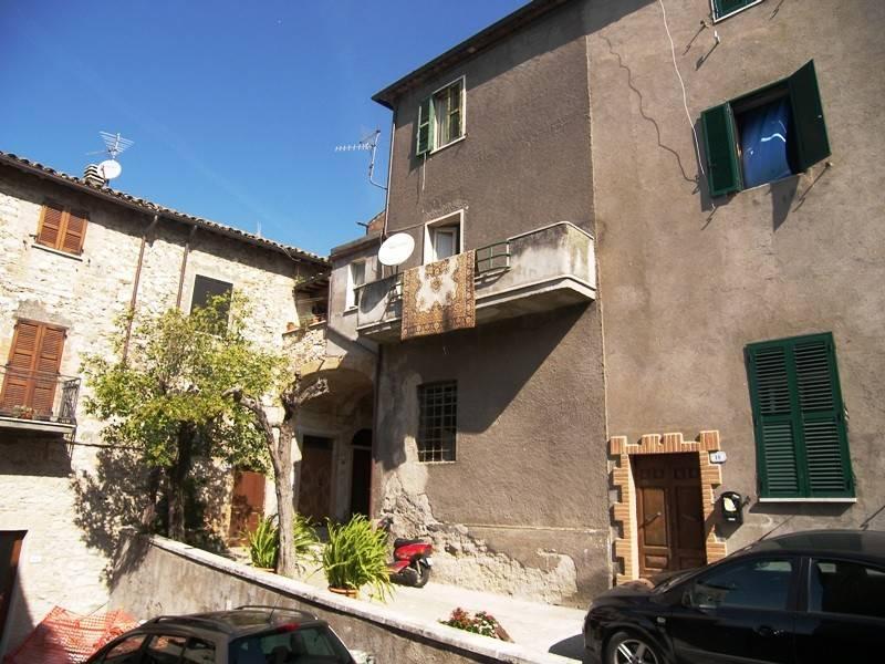 Soluzione Indipendente in vendita a Montecchio, 8 locali, prezzo € 70.000 | CambioCasa.it