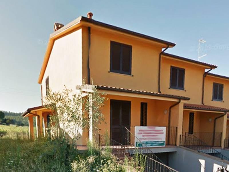 Villa a Schiera in vendita a Città della Pieve, 7 locali, prezzo € 200.000 | CambioCasa.it