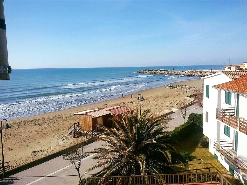 Toscana, Castiglione della Pescaia, sommer rental - Apartment 4/5 beds a few meters from the sea, with a terrace and sea view - We are letting out,