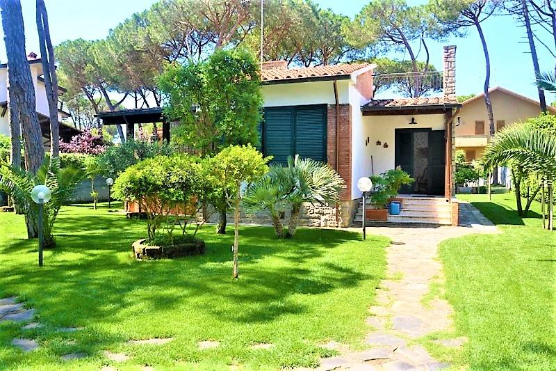 PRINCIPINA A MARE, GROSSETO, Villa for sale of 160 Sq. mt., Good condition, Heating Individual heating system, Energetic class: G, Epi: 267,5 kwh/m2