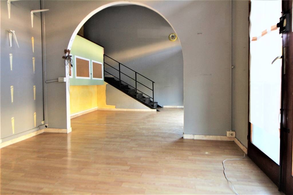PACE, GROSSETO, Commercialproperty for rent of 65 Sq. mt., Habitable, Energetic class: F, placed at Ground, composed by: 2 Rooms, 1 Bathroom, Price:
