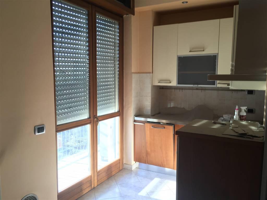 Appartamento in vendita a Pogliano Milanese, 3 locali, prezzo € 125.000 | PortaleAgenzieImmobiliari.it