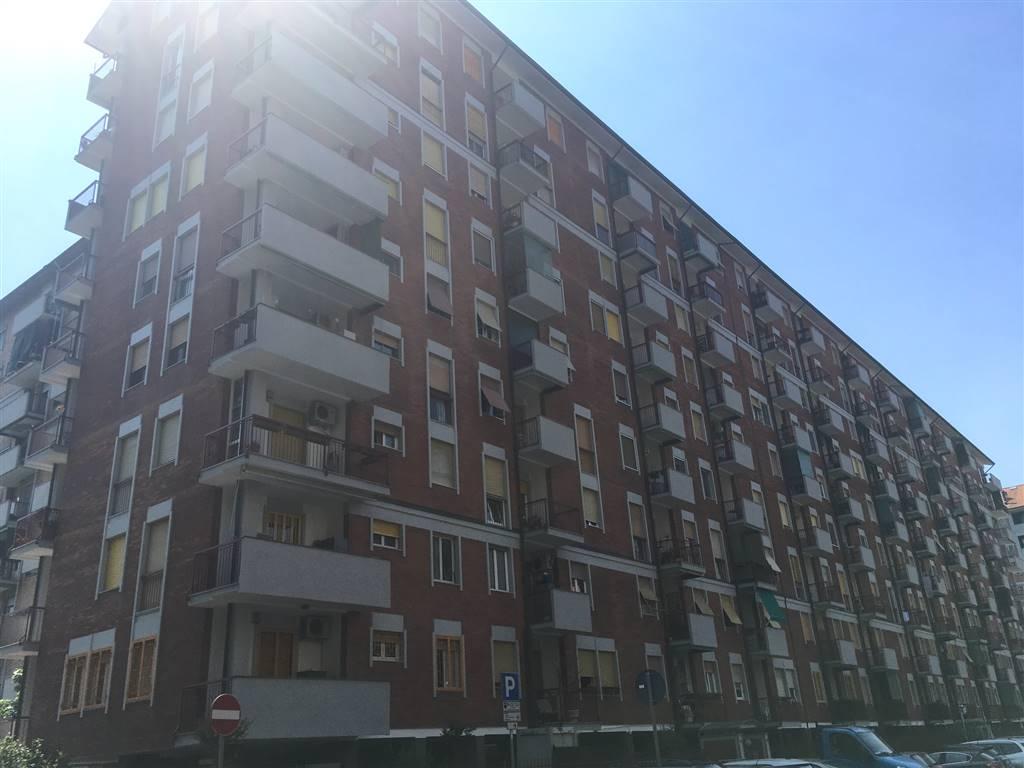 Trilocale in Via Chiarelli 3, Bonola, Molino Dorino, Lampugnano, Milano