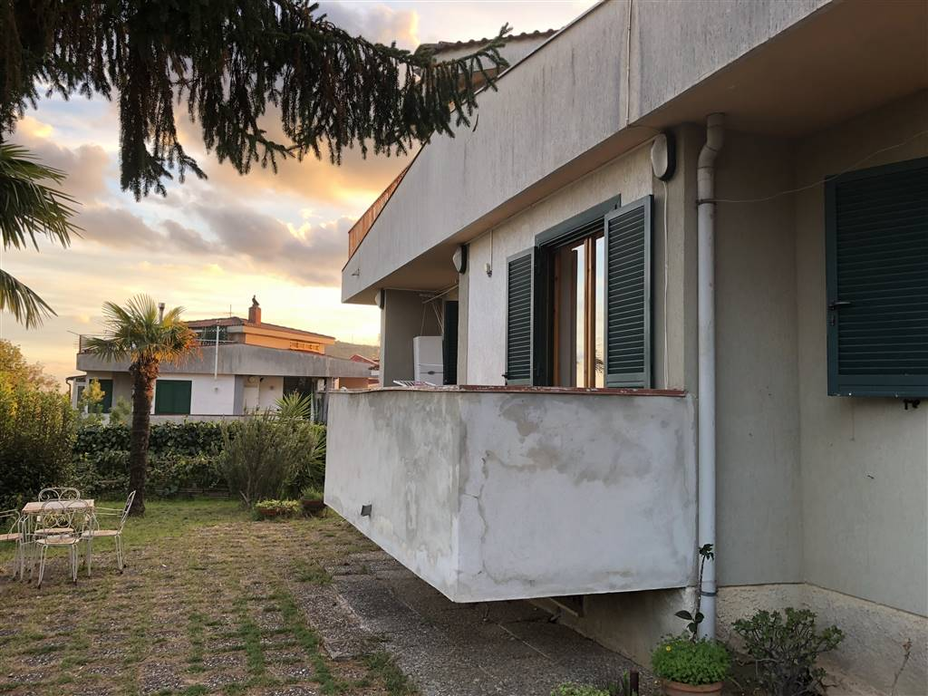 Appartamento in vendita a San Mango Piemonte, 5 locali, prezzo € 215.000 | CambioCasa.it