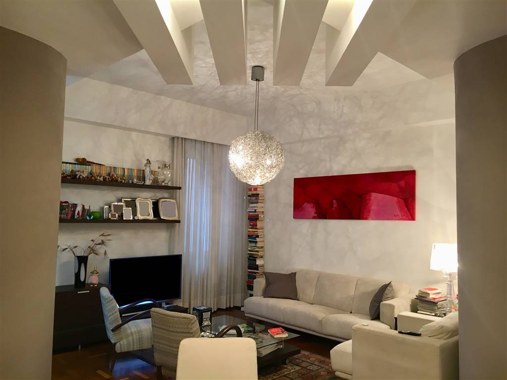 CARMINE, SALERNO, Apartment for sale of 106 Sq. mt., Excellent Condition, Heating Individual heating system, Energetic class: G, placed at 3° on 6,