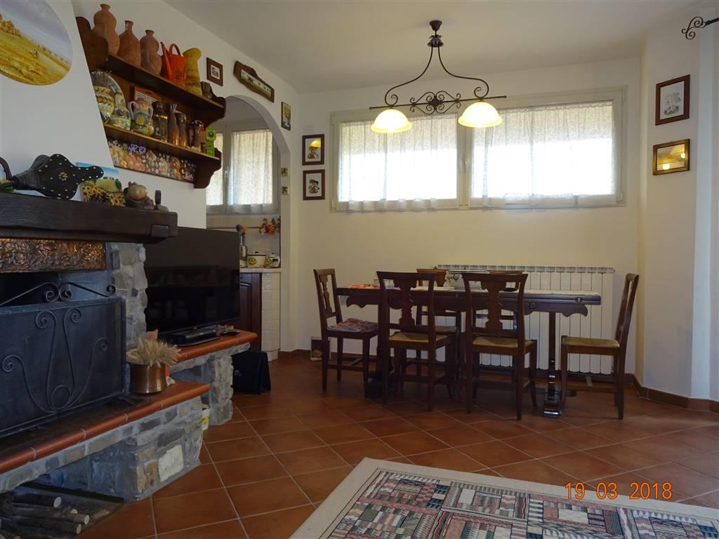 Appartamento in vendita a Calenzano, 5 locali, zona i, prezzo € 295.000 | PortaleAgenzieImmobiliari.it