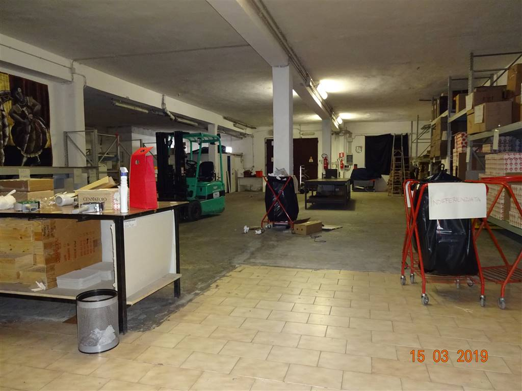 CAMPI BISENZIO, Industrial warehouse for sale of 355 Sq. mt., Energetic class: G, placed at Ground, composed by: 1 Room, Price: € 234,000
