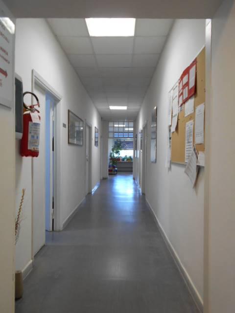 CENTRO CITTÀ, GROSSETO, Büro zur miete von 200 Qm, Beste ausstattung, Energie-klasse: G, am boden 1°, zusammengestellt von: 6 Raume, 1 Baeder,