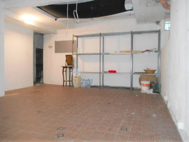 CENTRO CITTÀ, GROSSETO, Warehouse for rent of 30 Sq. mt., Energetic class: G, composed by: 1 Room, Price: € 160